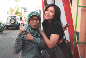 IFLI Alumni, Camille Bismonte with host mother in Indonesia